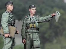 1:35 Otto Carius & NCO ensemble (2 figurines)