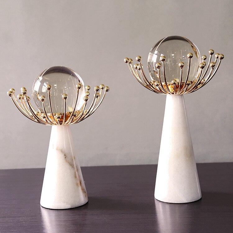 Luz de lujo bola de cristal Base de mármol decoración hogar salón modelo decoración Metal artesanía