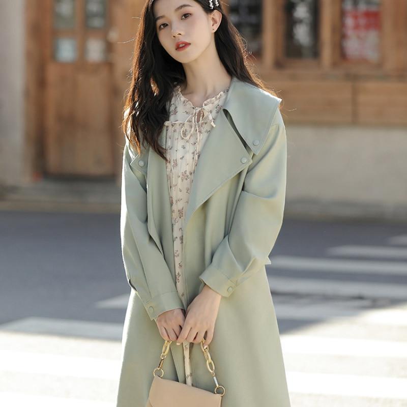 الأخضر معطف جديد الربيع والخريف الراقية الغلاف الجوي النمط البريطاني سترة واقية المرأة منتصف طول مصممة طوق