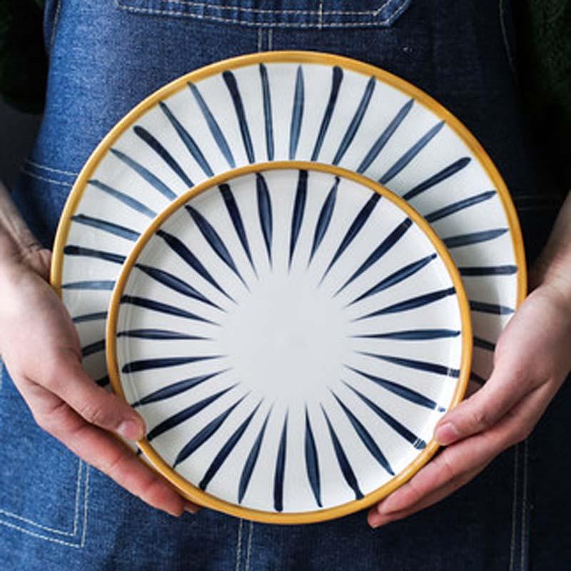 طقم أطباق من السيراميك على الطريقة اليابانية ، أدوات مائدة مميزة ، إبداعية