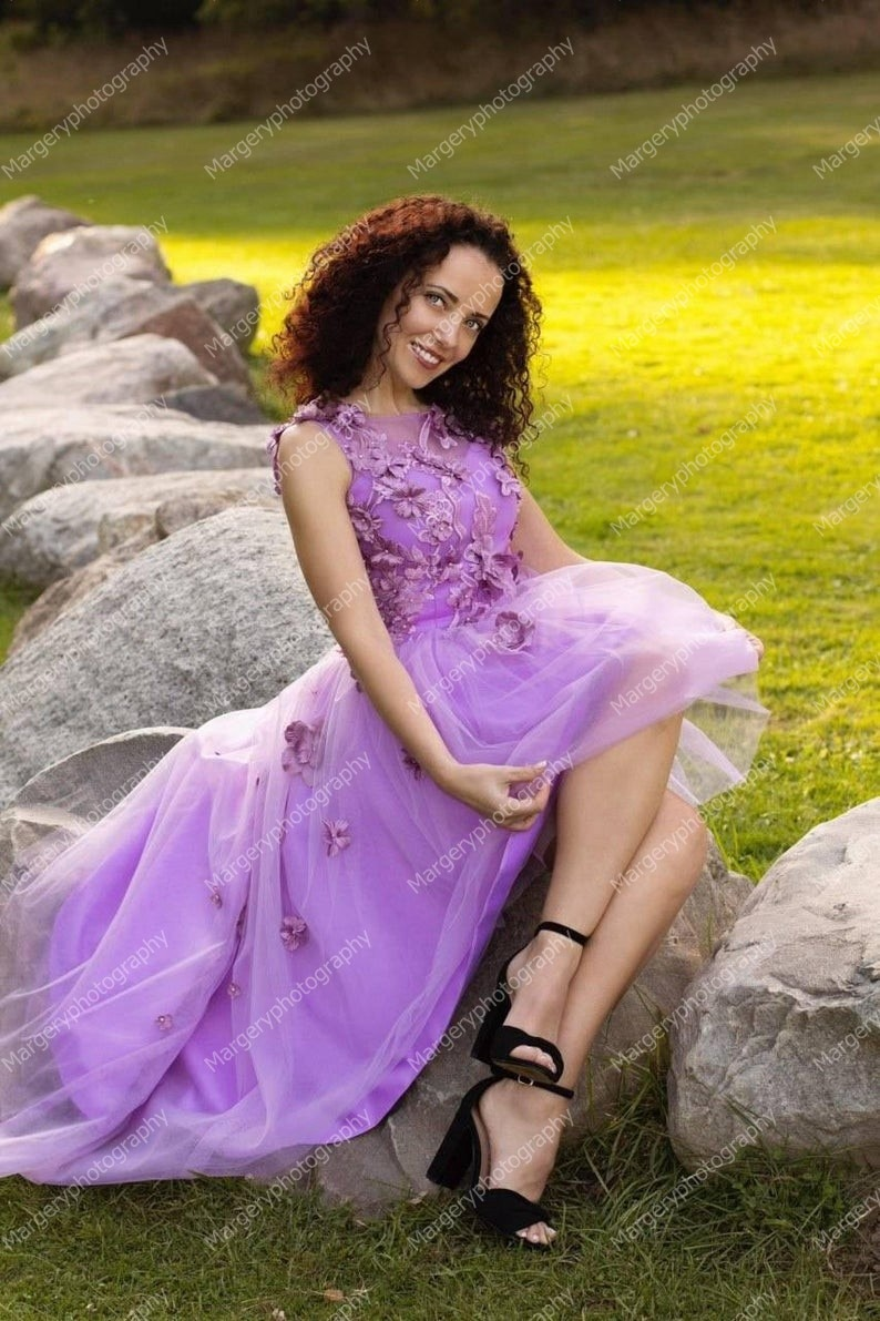 Elegant Hi Low Tulle Mother And Daughter Dresses   Sleeveless Puffy Lace Appliques Mom And Me Photo Shoot   Gowns enlarge