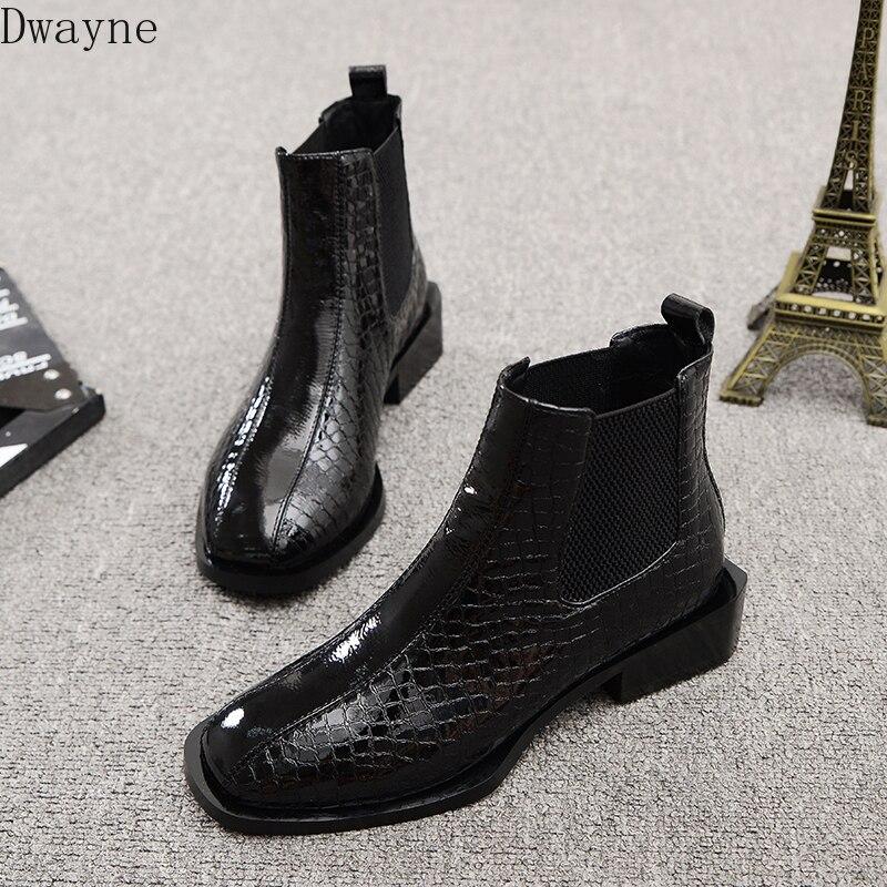 Botas de mujer 2019 nuevas de Cabeza Cuadrada planas con tubo corto botas Martin de viento británico de charol bonitas botas pequeñas botas salvajes
