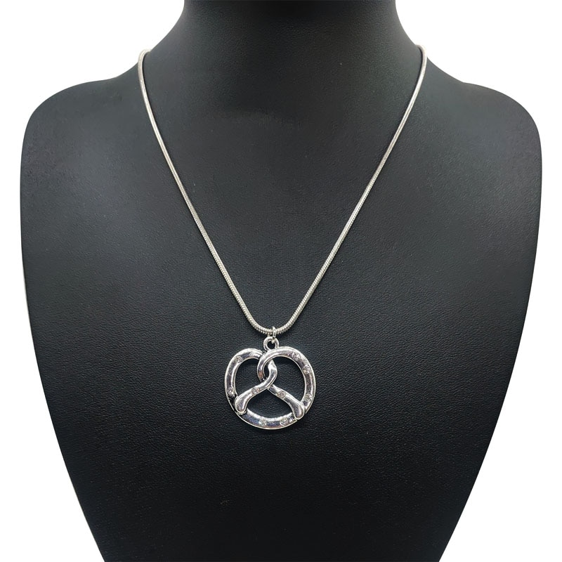 Collar Pretzel tradicional bávaro, colgante de plata antigua, Collar corto con diamantes de imitación, collares de declaración para mujeres, joyería