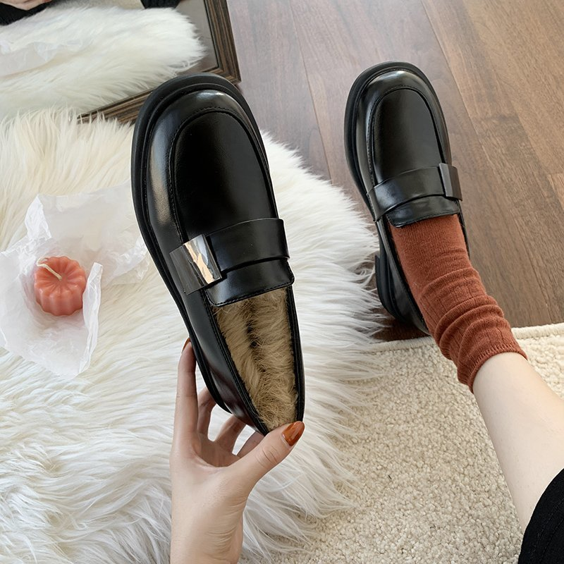 Autumn and winter women's shoes new student flat leather shoes red fashion retro single shoes personality and durable hot sale