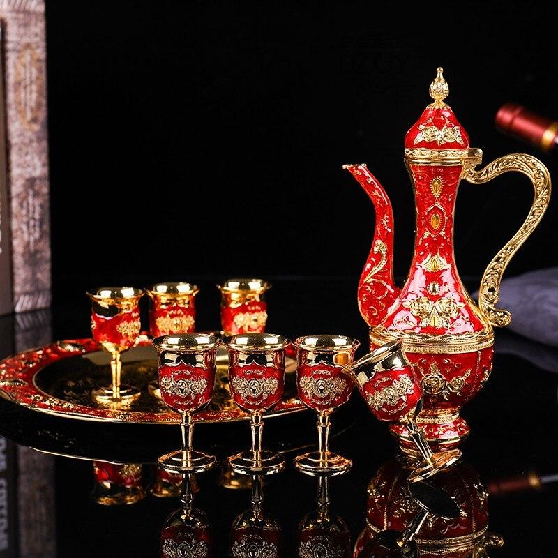 8 قطعة/المجموعة الروسية الفودكا النبيذ براندي Snifters الذهب القدح مع الورك قوارير صينية النقش بالرصاص الزجاج عالية الأرواح برواري هدية