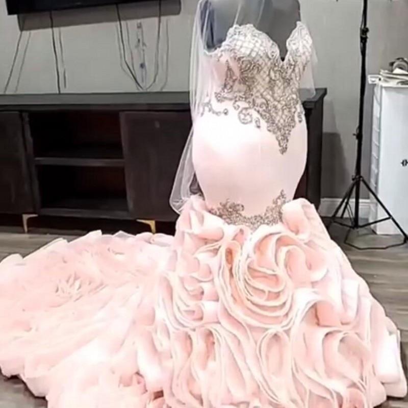 فستان زفاف حورية البحر وردي أحمر الخدود 2021 ، فستان زفاف فاخر كبير الحجم مزين بالخرز على شكل قلب
