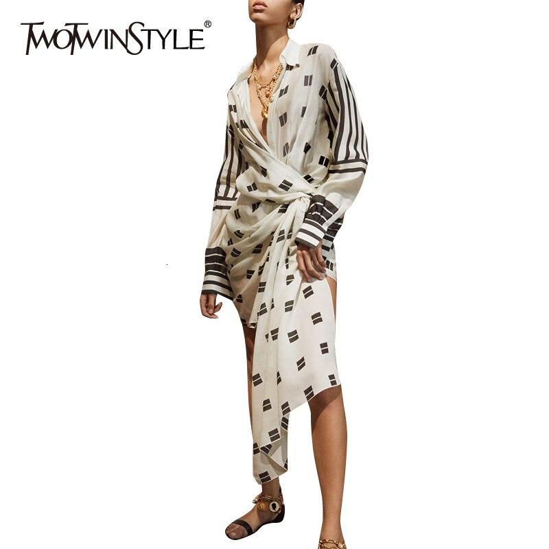 Twotwinstyle assimétrico impressão vestidos para feminino lapela colarinho manga longa cintura alta túnica irregular vestido das mulheres moda maré