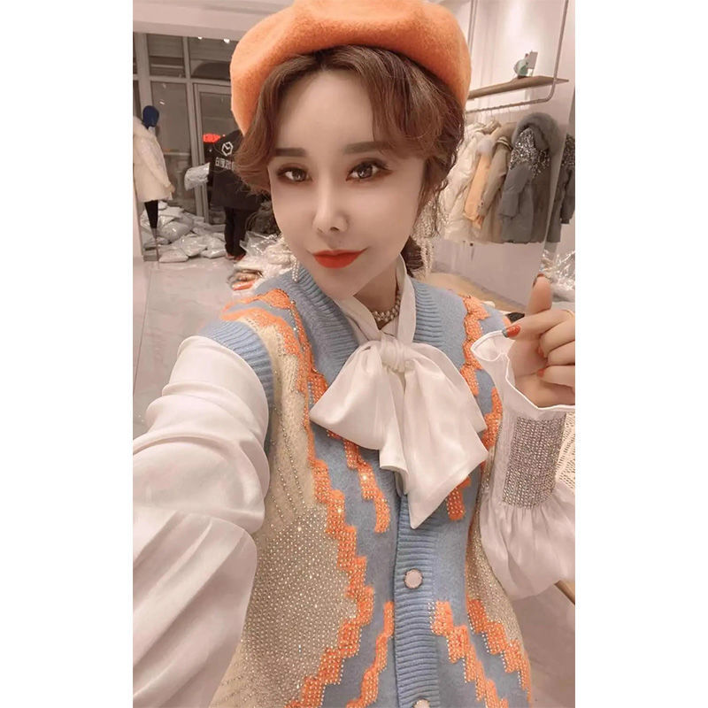 2021 matching long-sleeved hot diamond white bow shirt contrast color irregular knitted loose waistcoat vest two-piece female enlarge