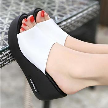 Сандалии женские из экокожи, босоножки на танкетке, обувь для отдыха, обувь на толстой подошве, с открытым носком, летние Тапочки