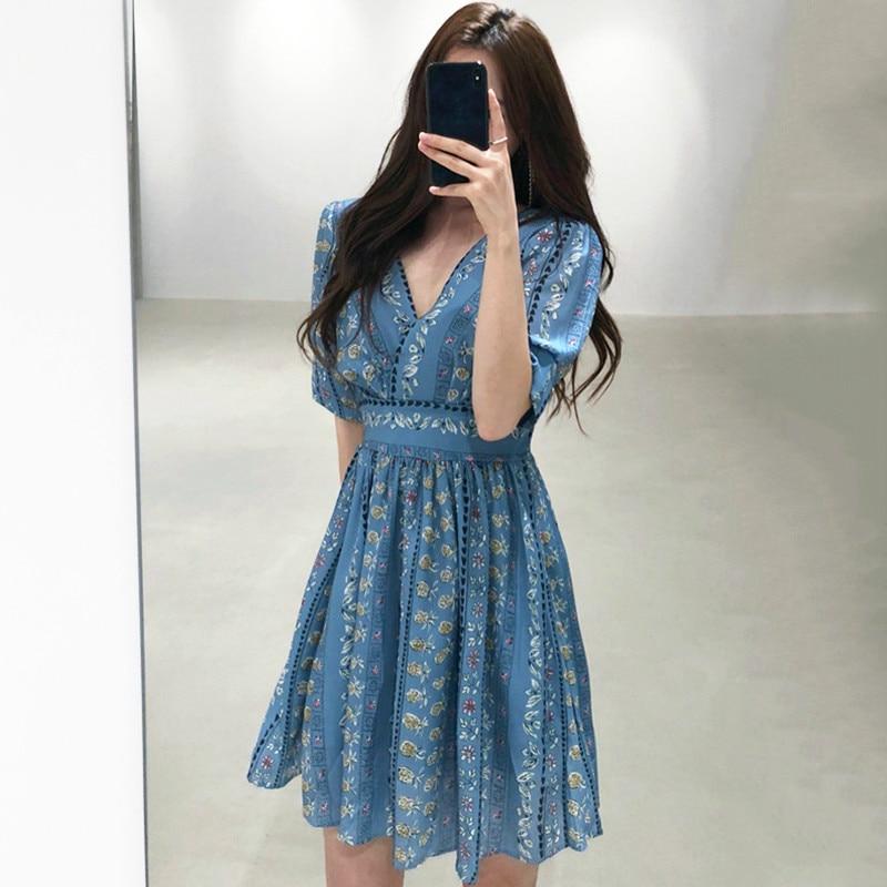 MATAKAWA Haze Blue Print V-neck Vestidos Retro Court Style Midi Dress High Waist Puff Sleeve Dresses Female Fashion Robe