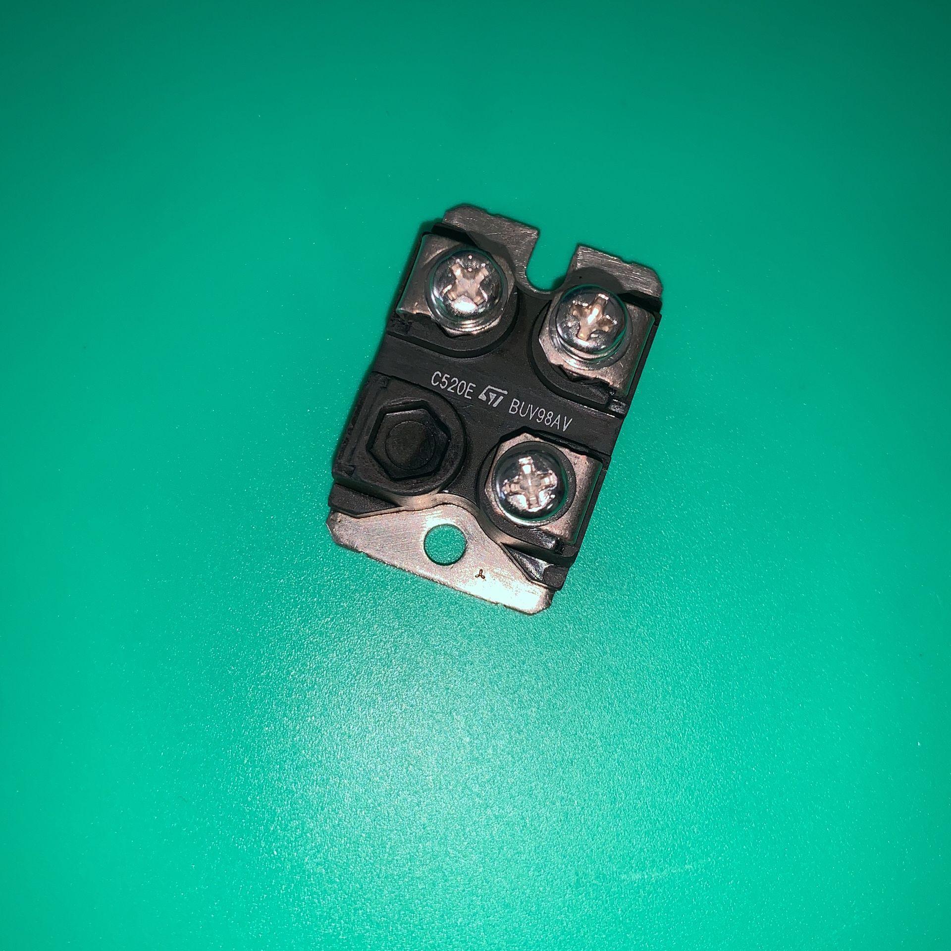 BUV98AV TRANS NPN 450V 30A ISOTOP BUV98A فولت وحدة IGBT NPN وحدات طاقة الترانزستور BUV98 AV BUV 98AV STBUV98AV