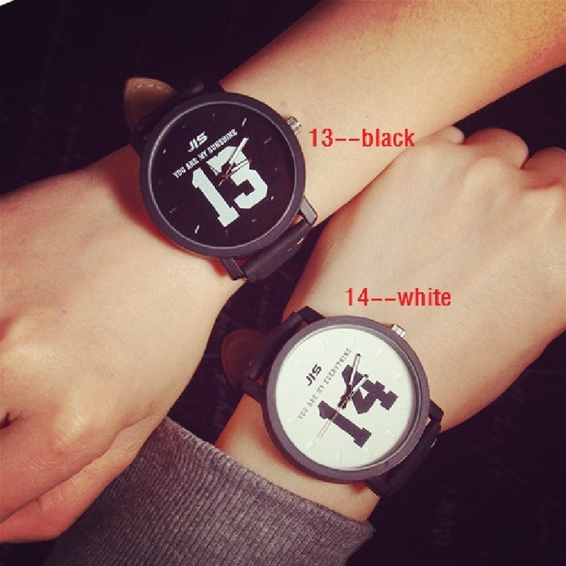 Couple Watch Romantic Fashion  Hot Sale 1314 Black and White Student Watch  Imitation Leather Band
