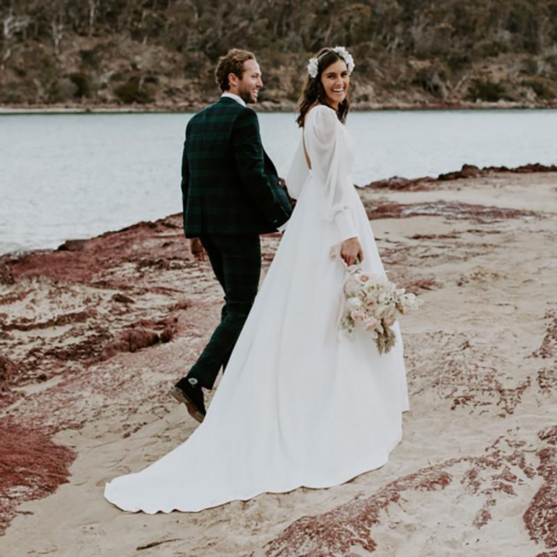 Sweetheart Chiffon Open Backk Wedding Dress Simple Long Puffy Sleeves Beach Ruched Waist Flowing Elegant Custom Made Bridal Gown