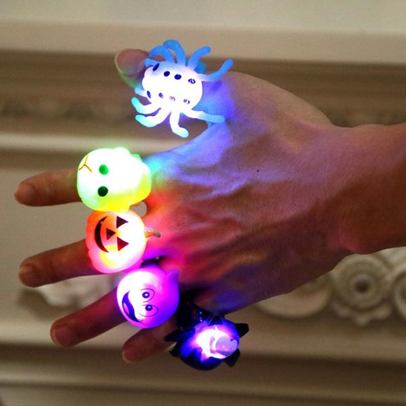 5 unids/set de anillos luminosos de dibujos animados que brillan en la oscuridad juguetes para Halloween Fiesta Temática juguetes niños adultos luces LED Flash Juguetes