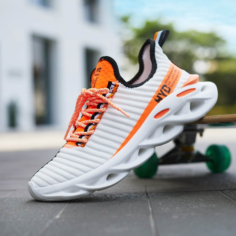 Summer Trend Style Mens Casual Shoes 2019 New Fashion Breathable Mesh Light Personality Sneakers Flying Weaving Tenis Masculino