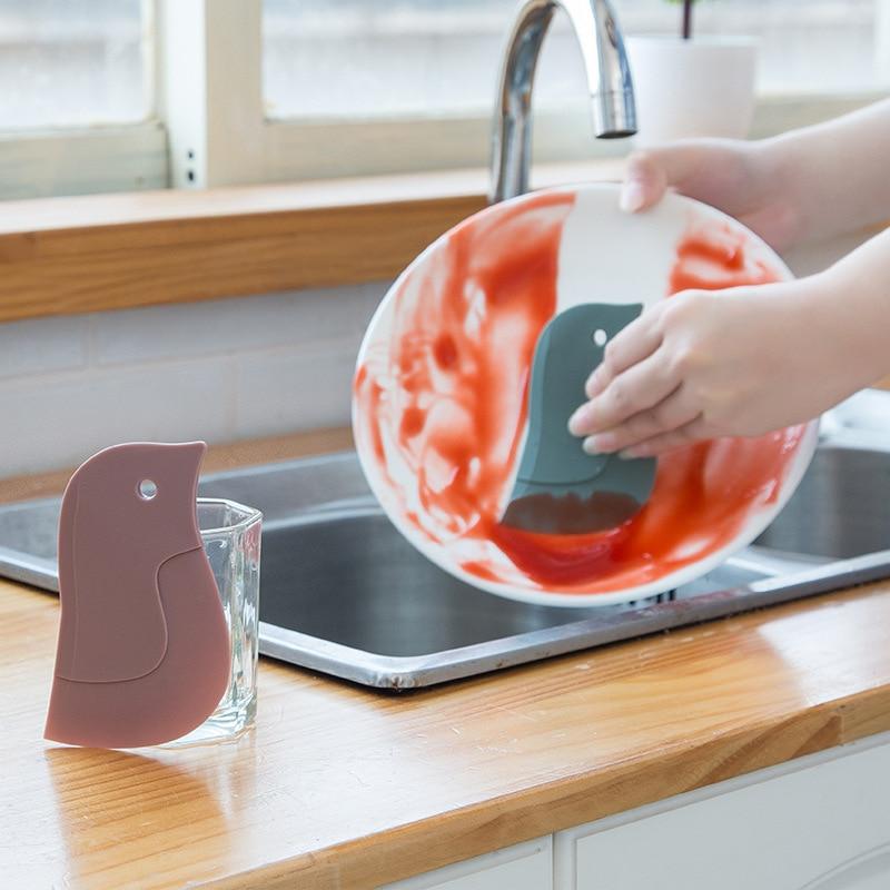 Espátula de plástico suave con forma de bonito pingüino, tabla de limpieza práctica multifuncional para cocina, herramienta de limpieza, espátula y utensilios para hornear 1 unidad