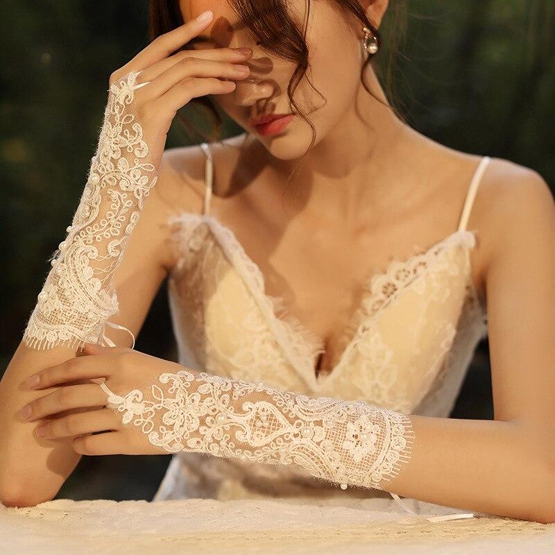 Дешевые свадебные кружевные перчатки с искусственным жемчугом