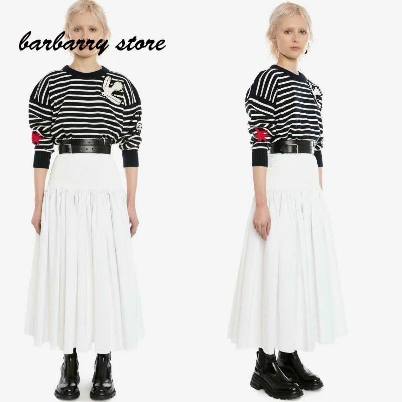 2021 luxury design black and white stripe fashion women's long sleeve round neck Pullover temperament versatile knitted sweater