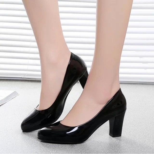 QSR 7CM bombas 2019 primavera moda Zapatos de boca baja solo cabeza redonda con zapatos de tacón zapatos de charol de color sólido para mujer