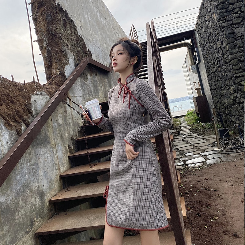 MISHOW Atumn Winter China Vintage Style Slim Fit Dress Women Long Sleeve Hem slit Cheongsam Dress  MX19D1398