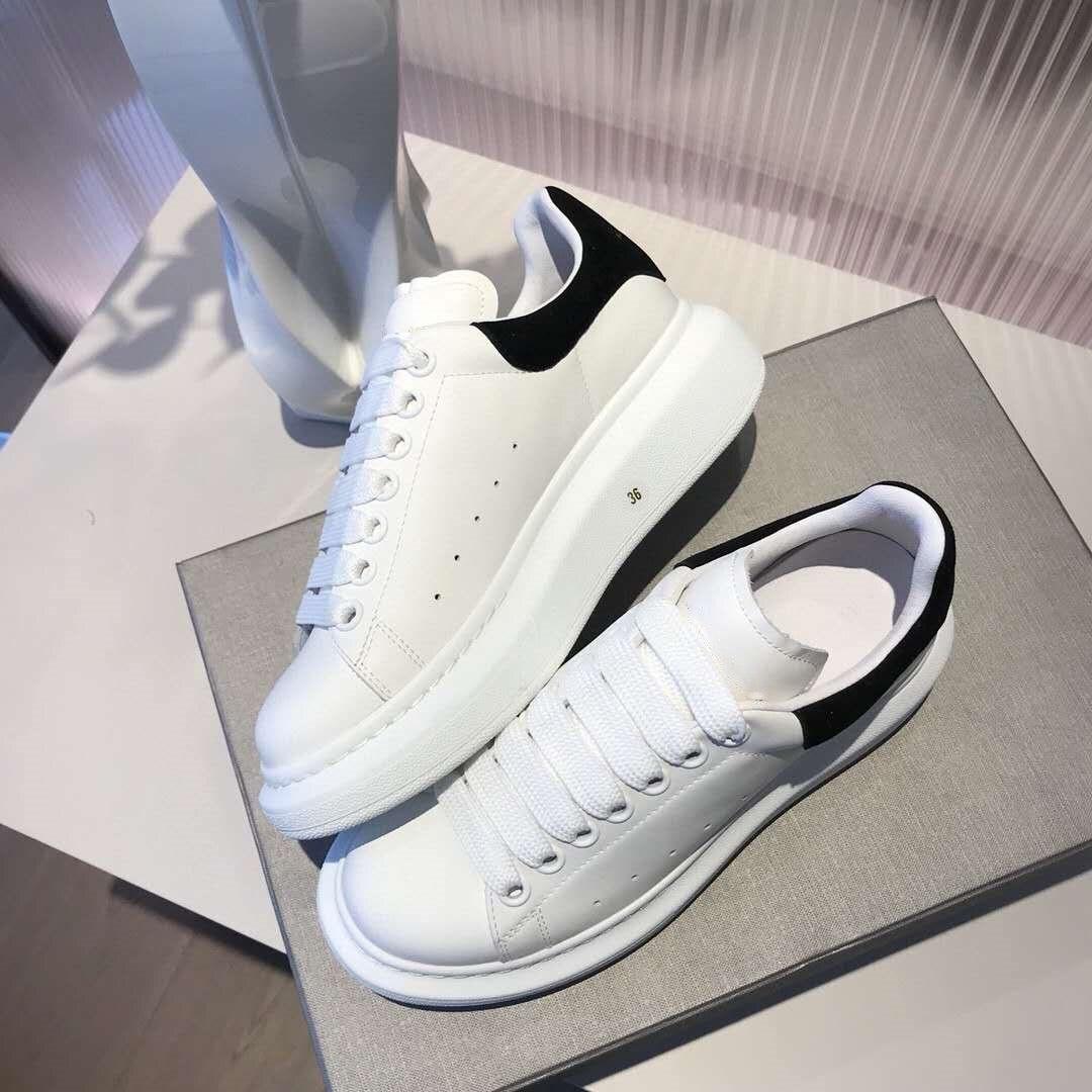 موضة فاخرة تصميم أحذية من الجلد عادية للجنسين حذاء أبيض زوجين أحذية سميكة أسفل لينة кроссовкللنساء