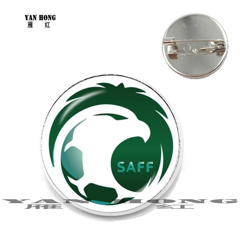Las insignias de fútbol de Arabia Saudita son un honor nacional para hacer broches a la moda para regalos de cumpleaños de amigos.