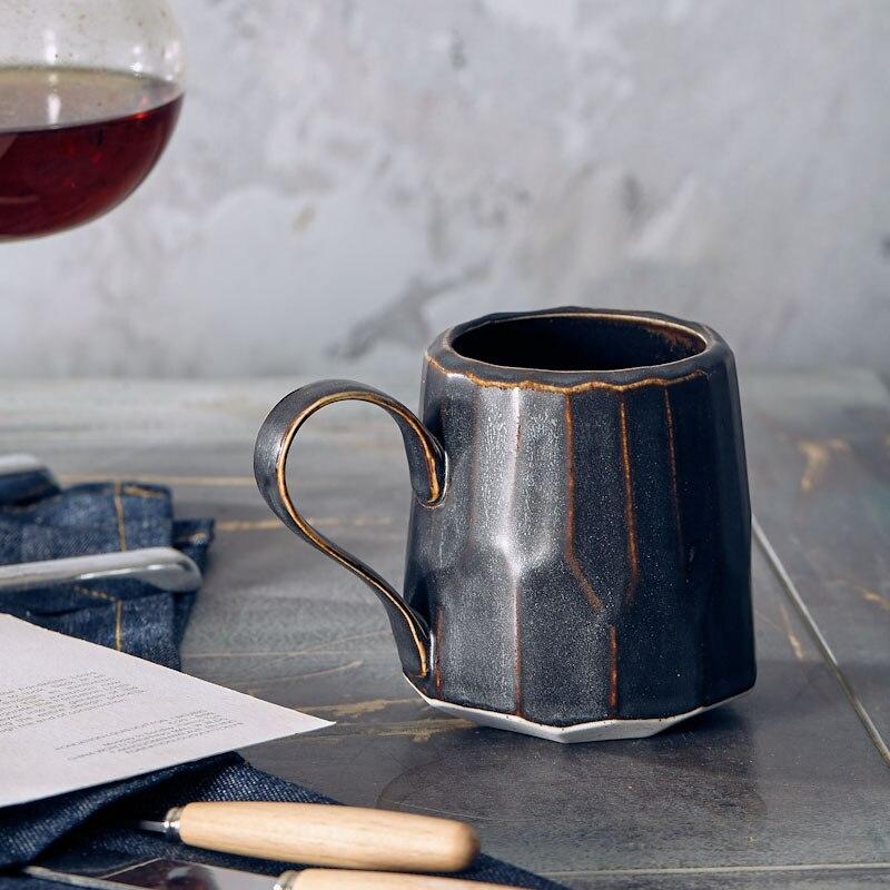كوب قهوة ياباني عالي الجودة مصنوع يدويًا كوب مقاهي أحمر صافي كوب مياه من السيراميك طراز صناعي