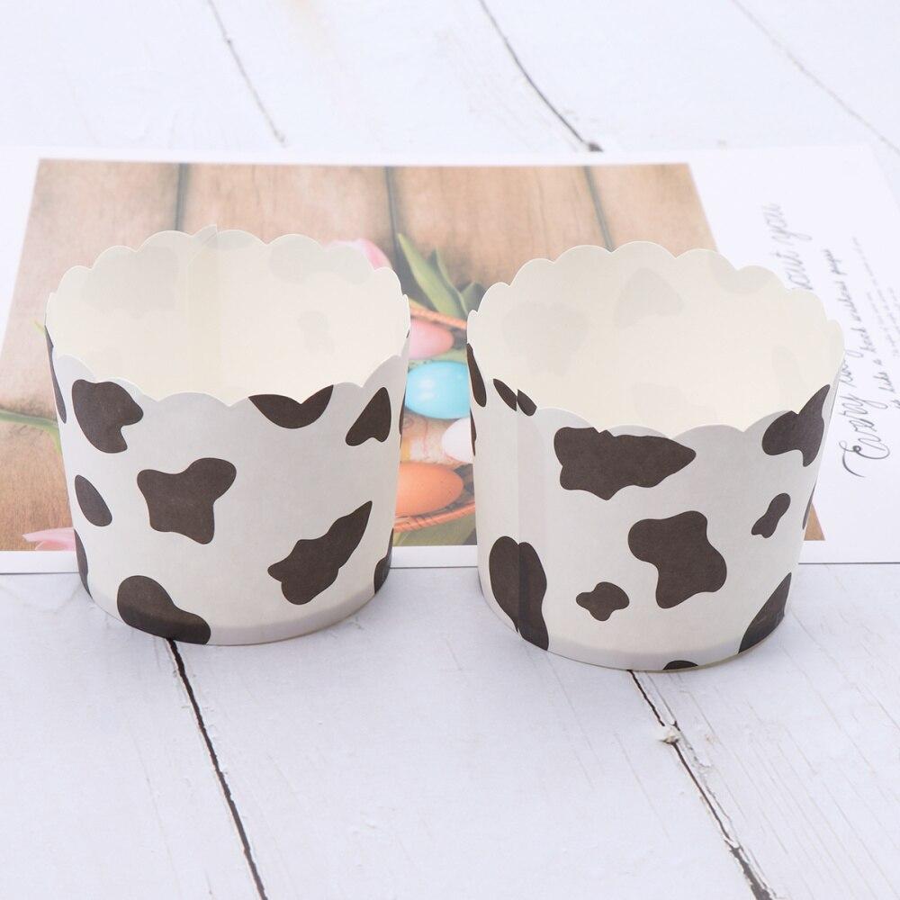 O bolo da vaca de 50 pces coloca o papel resistente ao calor que coze os envoltórios descartáveis do queque do copo