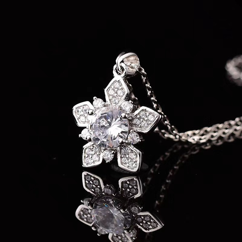 925 silver jewelry ice pendant necklace moissanite 1.00ct Luxury fashion customizable 18k gold beautiful necklace for women