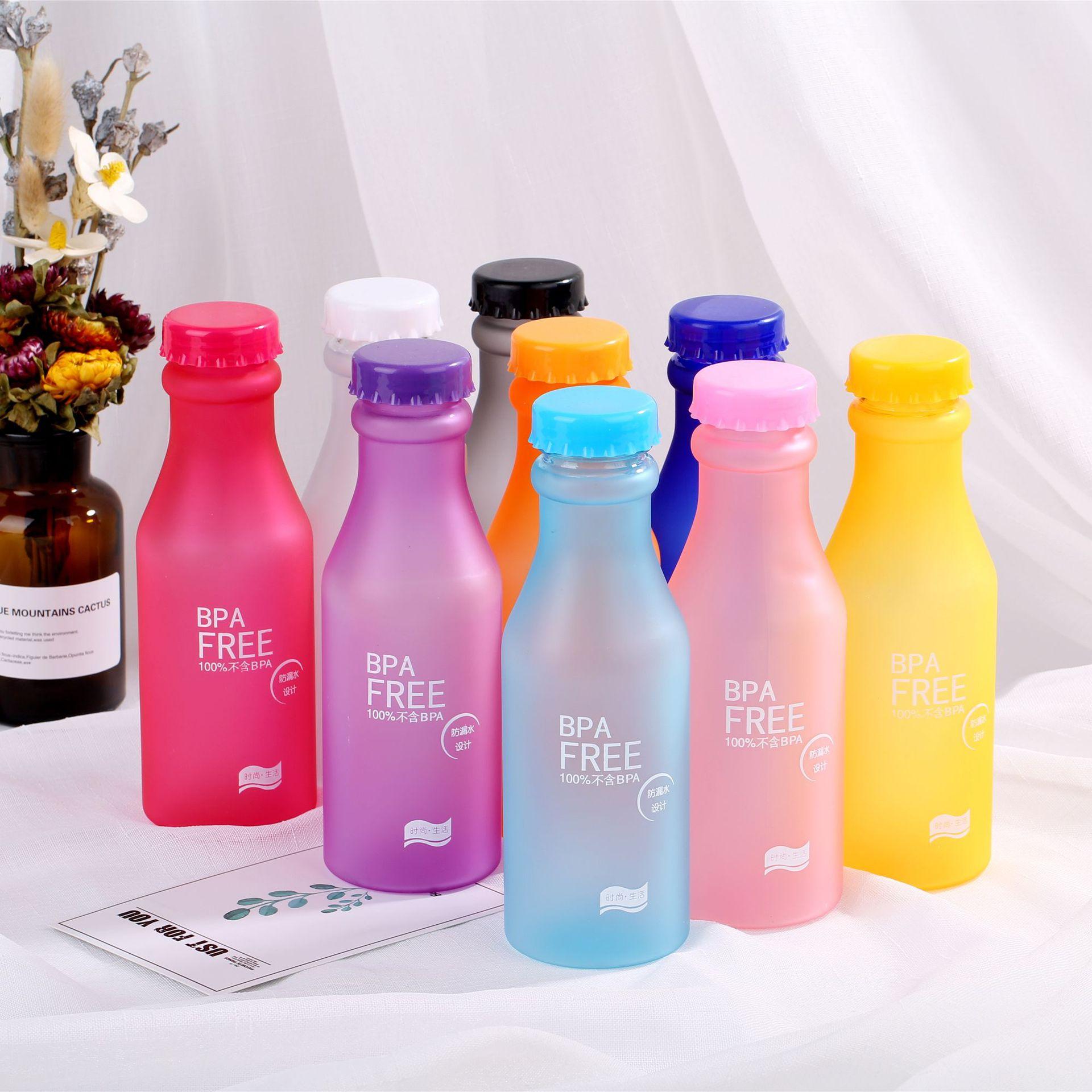 زجاجة مياه كريستال شفاف متجمد مانعة للتسرب غلاية من البلاستيك 550 مللي زجاجة مياه محمولة للسفر اليوغا تشغيل التخييم