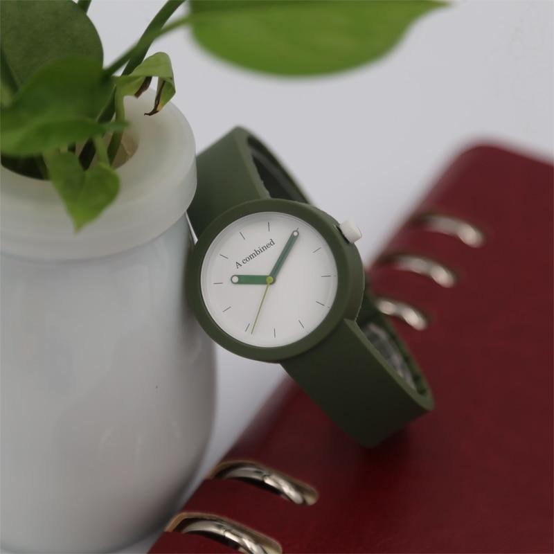 Casual fashion contrast needle children's student watch silicone strap quartz watch.