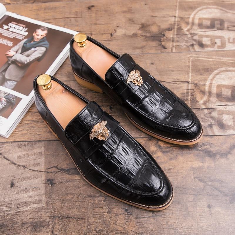 جلد الرجال حذاء كاجوال فاخر 2021 جديد رجالي المتسكعون الأخفاف تنفس الانزلاق على أحذية قيادة سوداء حجم كبير 38-47