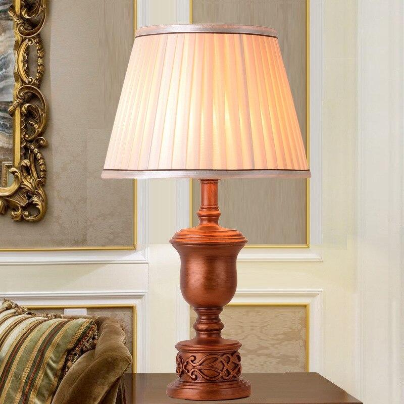 ضوء الفاخرة الأمريكية مصباح طاولة دراسة اليدوية الذهب الرجعية النمط الأوروبي غرفة المعيشة غرفة نوم السرير مصباح طاولة كبيرة