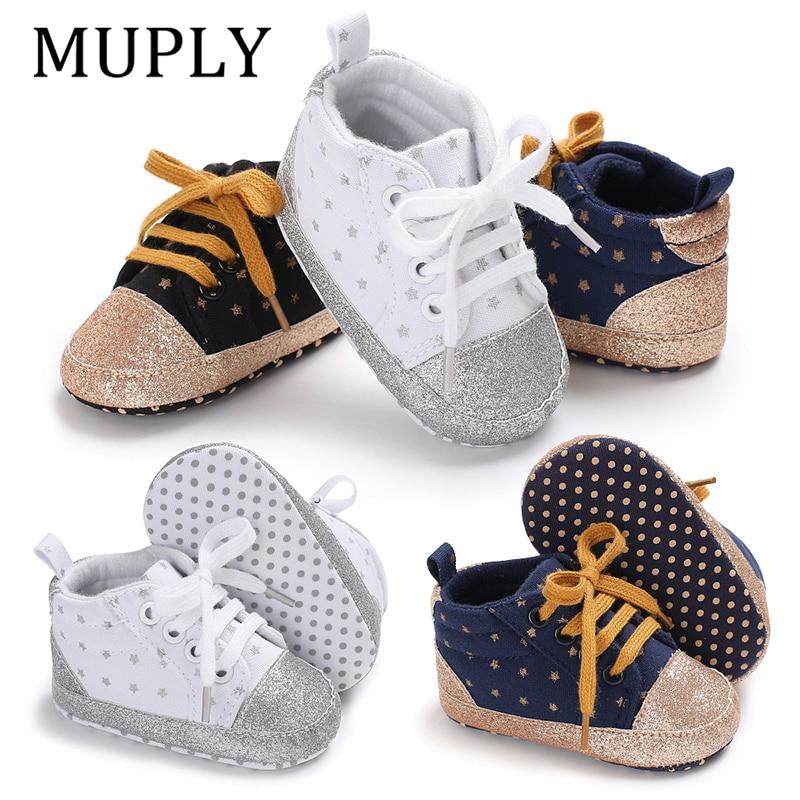 1 par de zapatillas deportivas de lona con diseño de estrella para primeros pasos de bebé