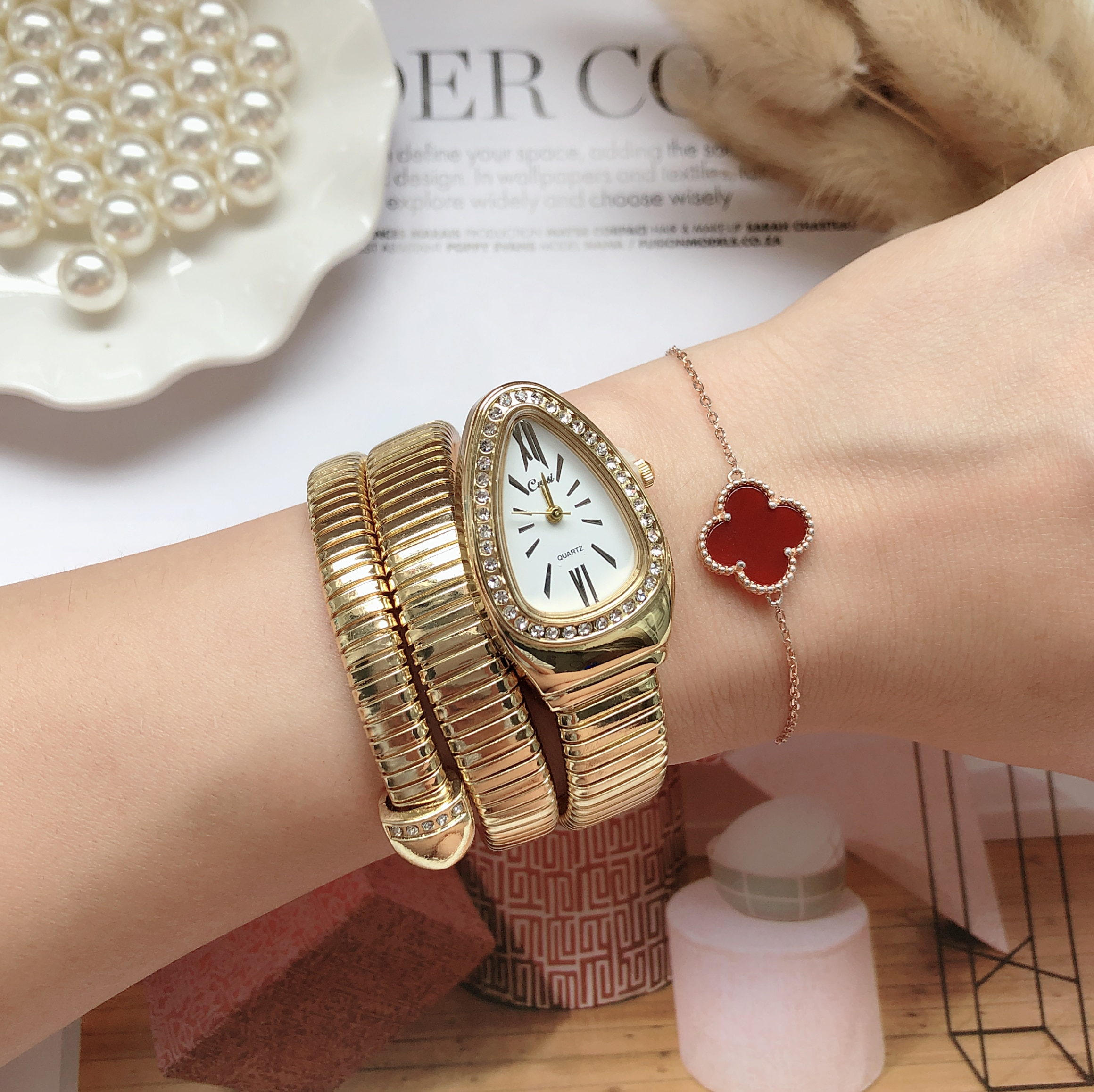 New Women Luxury Brand Watch Snake Quartz Ladies Gold Watch Diamond Wristwatch Female Fashion Bracelet Watches Clock reloj mujer hannah martin wristwatch women watches luxury brand quartz steel strap female watch diamond ladies watch clock women reloj mujer