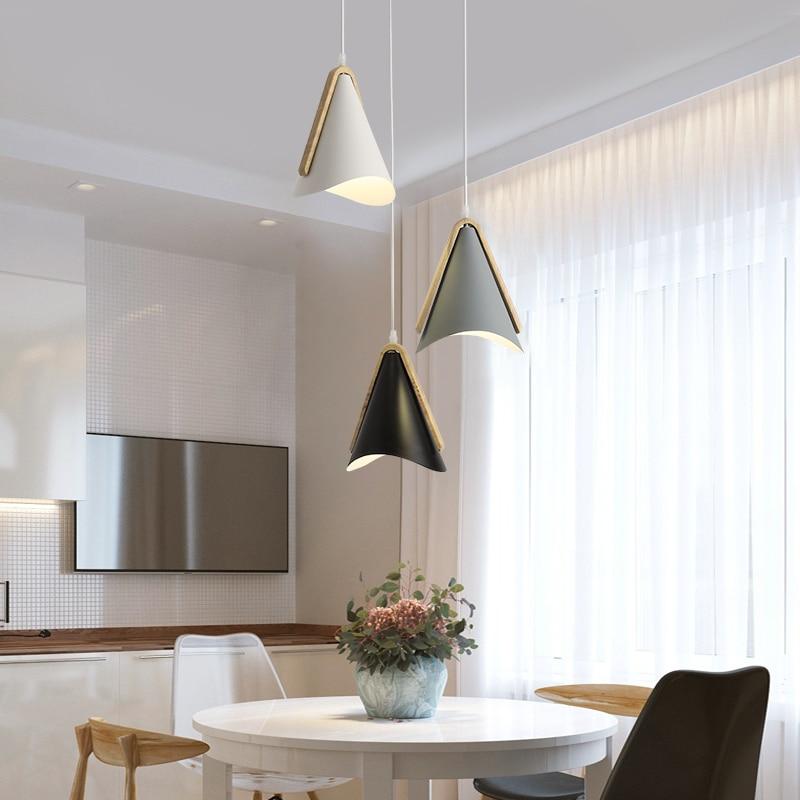 مصباح معلق Led بتصميم إسكندنافي من الخشب ، تصميم مصمم ، إضاءة داخلية ، مثالي لغرفة الطعام أو البار أو الفندق ، أسلوب بسيط ، متعدد الألوان.