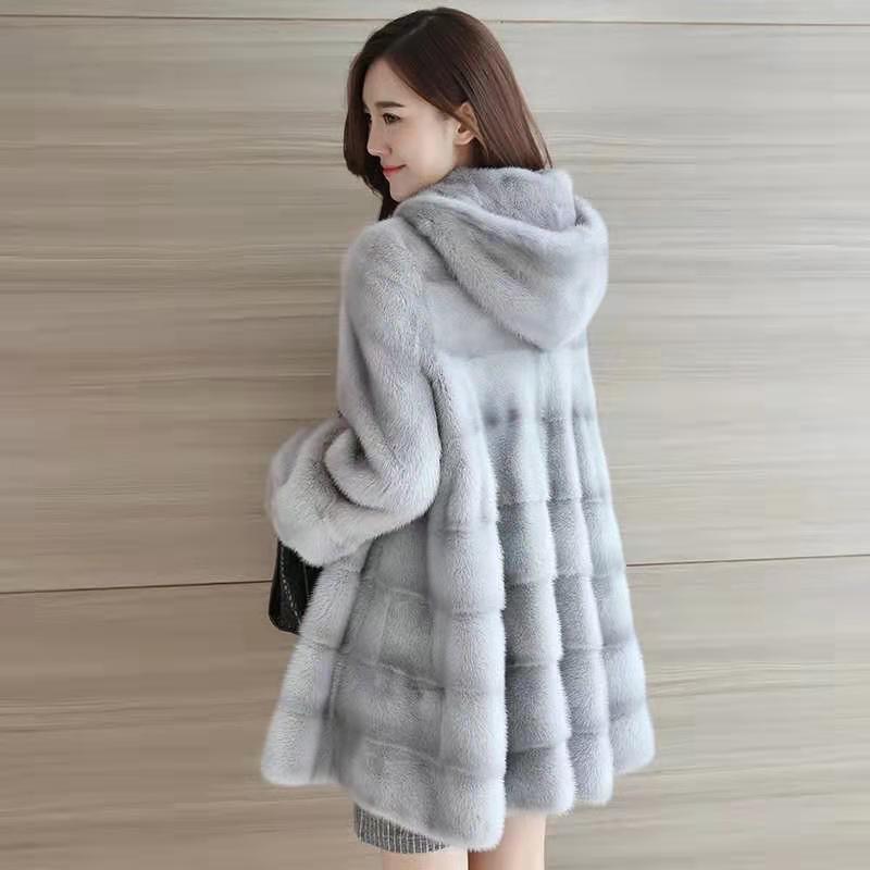معطف المنك متوسط الطول للنساء بغطاء للرأس 20 بأكمام طويلة ، دافئ ، سميك ، جيوب متعددة الاستخدامات ، خطوط رفيعة راقية شتوية