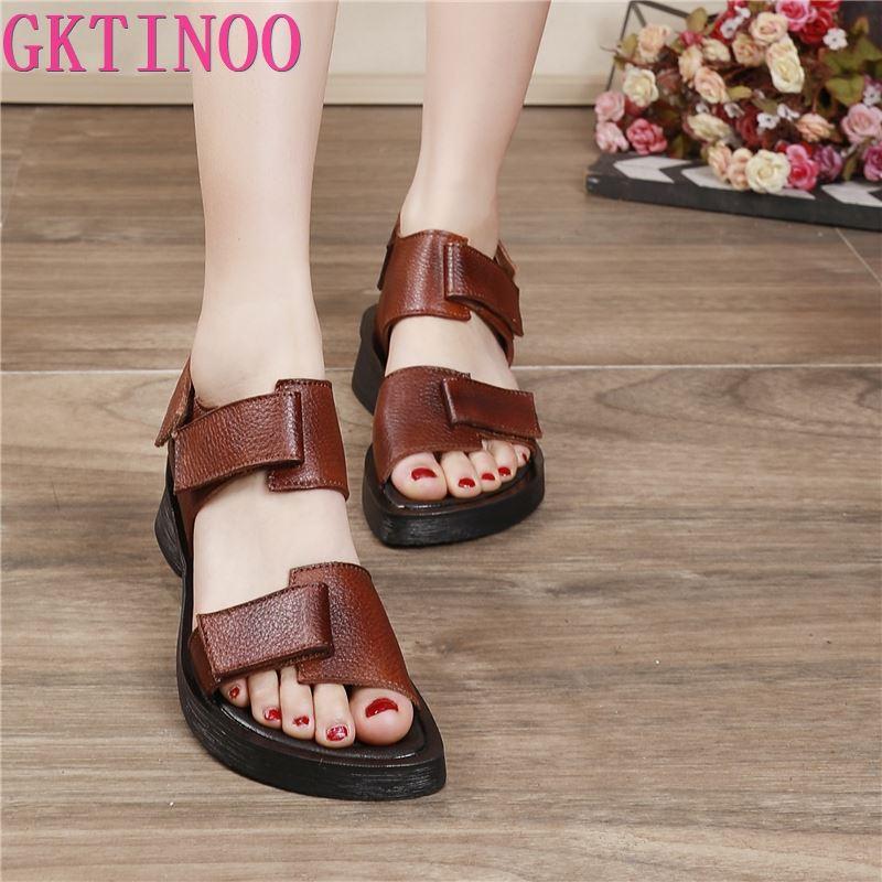 GKTINOO النساء الصنادل الجلدية ميد الكعوب أحذية الصيف للنساء لينة جلد طبيعي صنادل شاطئ حذاء كاجوال المرأة ريترو 2021
