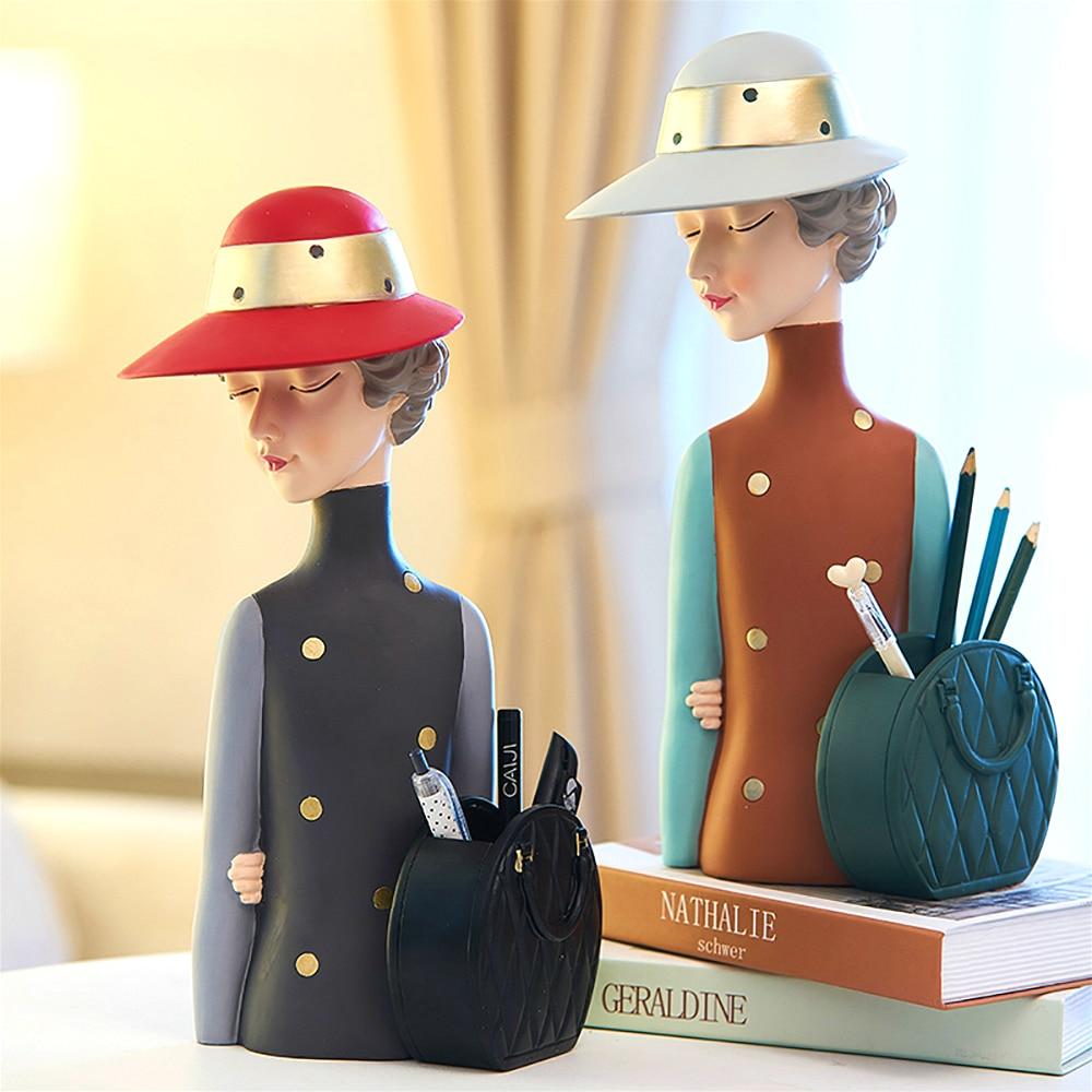 Cute Girl Figurine Resin Character Statue Pen Holder Desk Organizer Modern Nordic Home Decoration Accessories Bedroom Decor Gift
