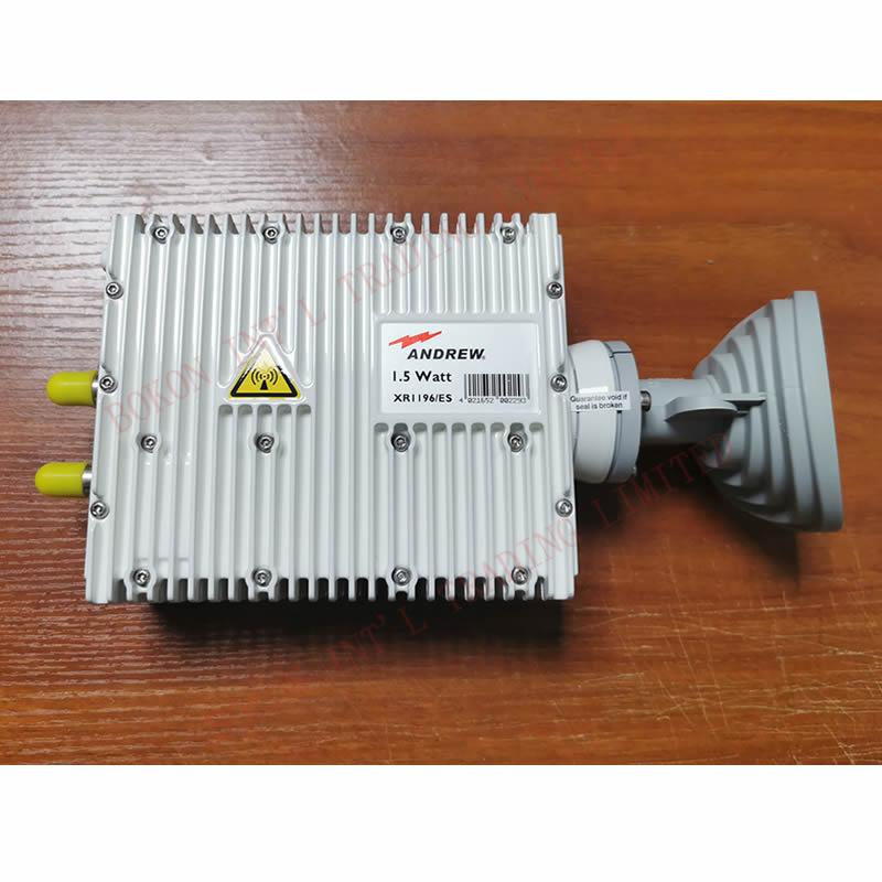 1,5 Вт Ku-band VSAT приемопередатчик RX 11,50 до 12,75 ГГц TX 14,00 до 14,50 ГГц ANDREW XR1196