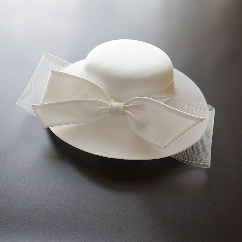 French White Bownot Satin Top Hat Women Vintage Banquet Elegant British Celebrity Dress Fascinator B