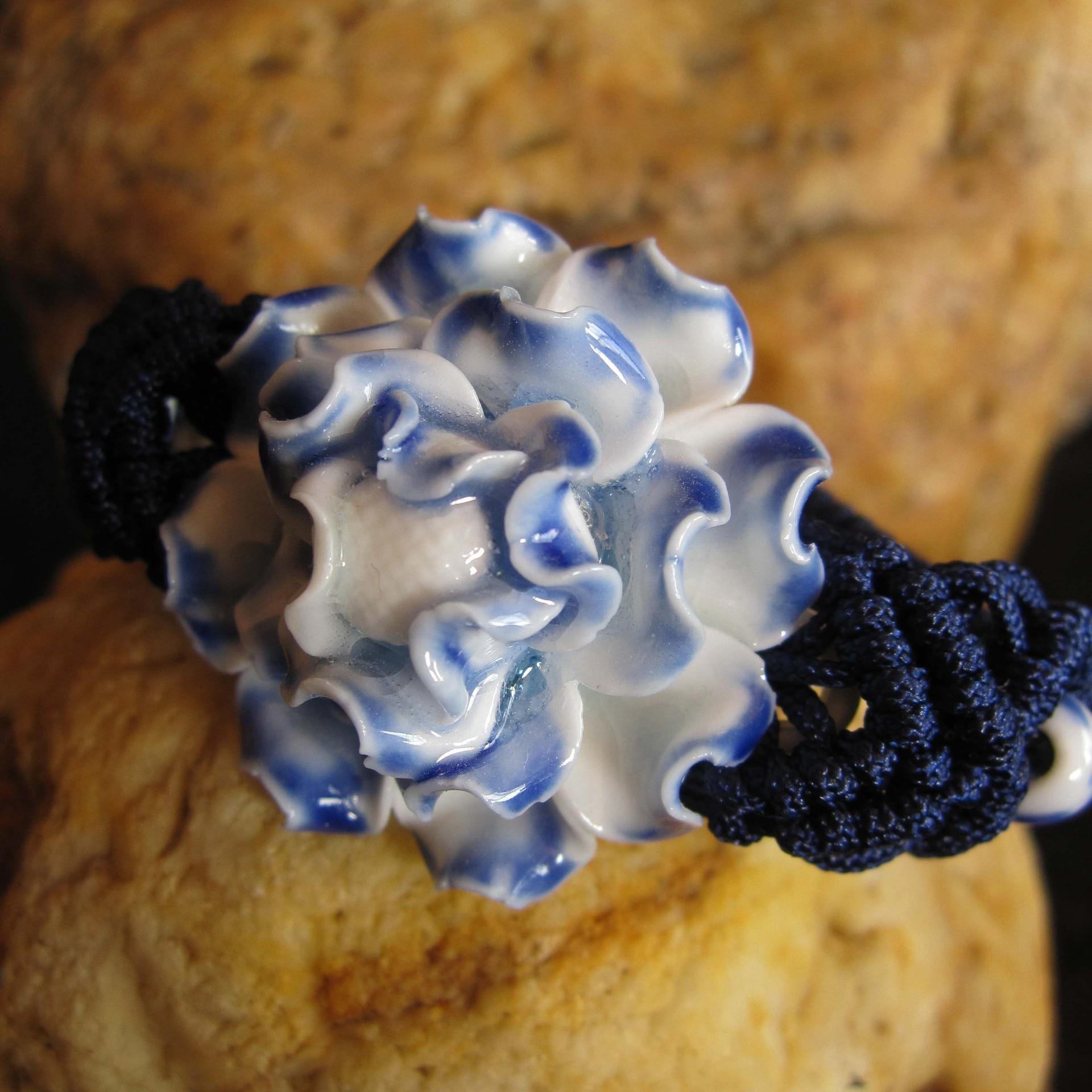 Pulsera de estilo nacional de flor de peonía azul de cerámica con encanto de moda, brazalete de diseño Original, amuleto tejido a mano, regalos de joyería
