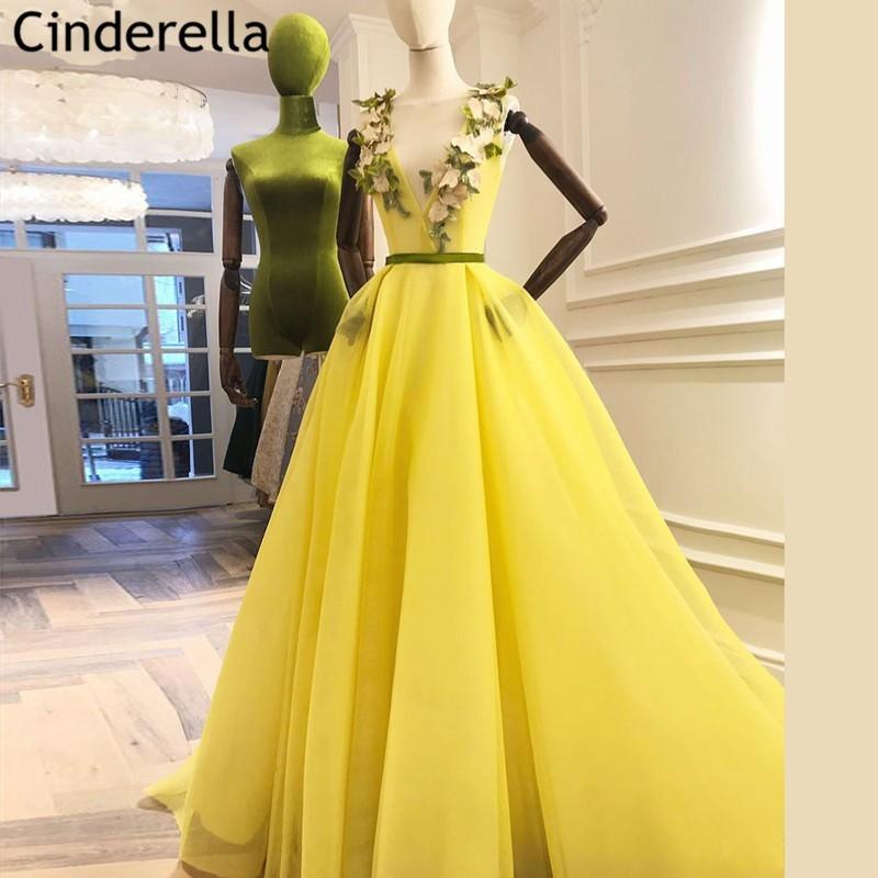 Vestidos de noche amarillos con cuello en V, sin mangas con Cierre...