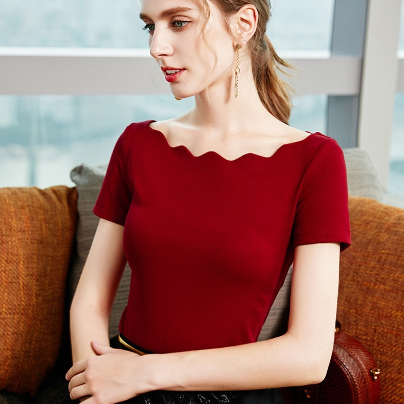 Slim T-shirt Women's 2020 Summer New Short-sleeved Niche Design Sense French Elegant Wavy One-line Collar Strapless Top Women