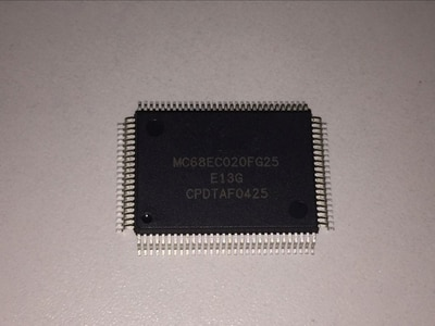 1 pçs/lote MC68EC020FG16 MC68EC020FG25 MC68EC020 QFP-100