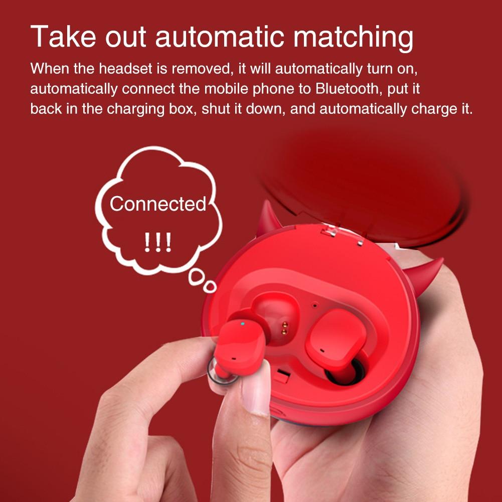 Auriculares inalámbricos a prueba de agua Bluetooth 5,0 auriculares deportivos estéreo incorporado Mic música Auto Emparejamiento con caja de carga Mini dibujos animados manos libres