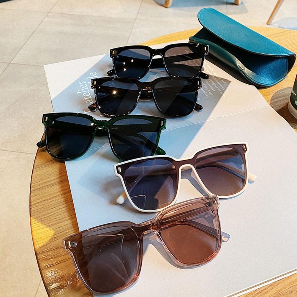 UV400 Outdoor Women Sunglass New Rivet Oversized Square Couple Sunglasses Men Vintage Colored Shades