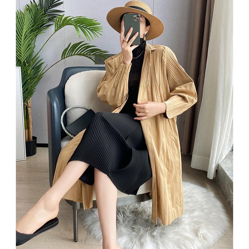 Женский плиссированный однотонный тренчкот miяка, модный роскошный однобортный свободный тренчкот большого размера с длинными рукавами, Но...