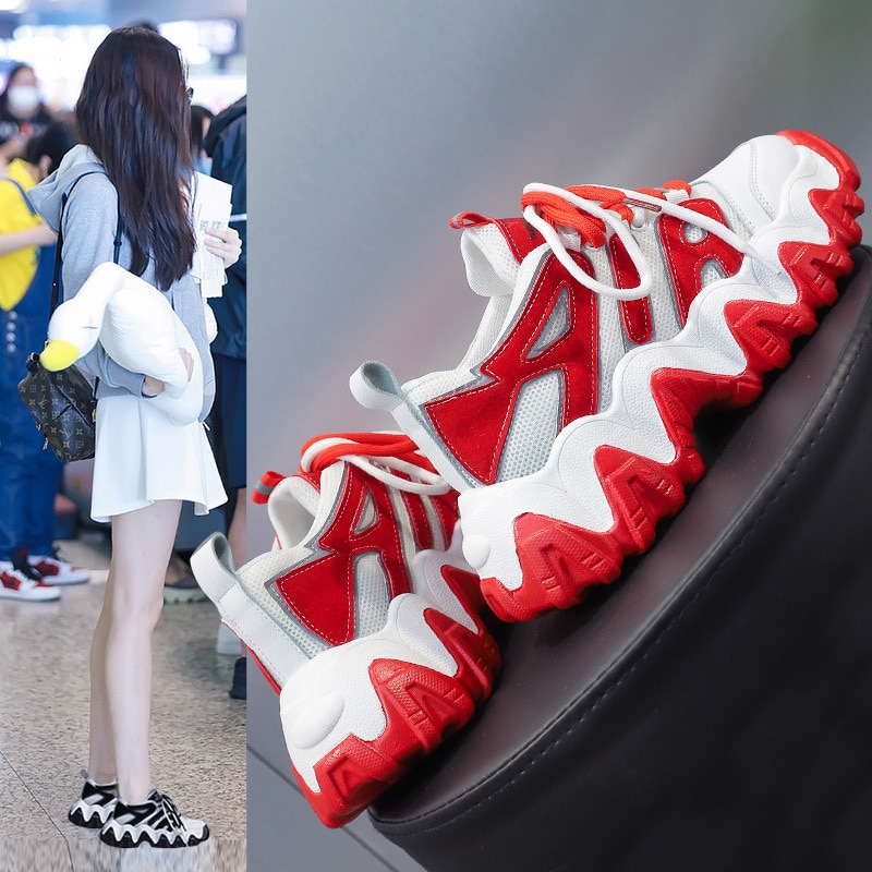 المرأة ربيع جديد صافي الأحمر عاكس أقدام فائقة النار الكورية نمط كل مباراة أحذية رياضية النساء