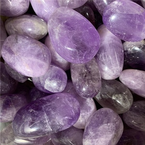 Hot sale 1000g natural amethyst polished palm stone reiki healing crystals gemstone for home decoration